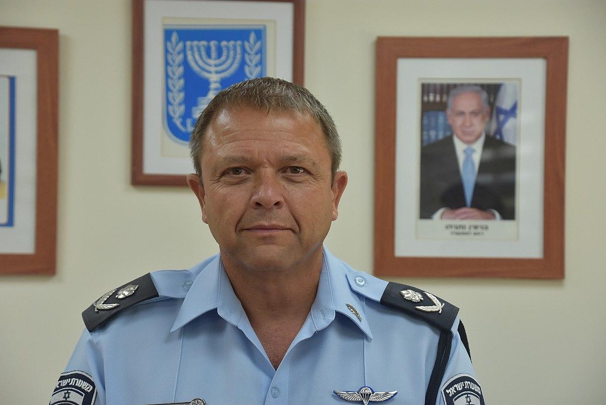موتي كوهين: مفتش الشرطة المؤقت